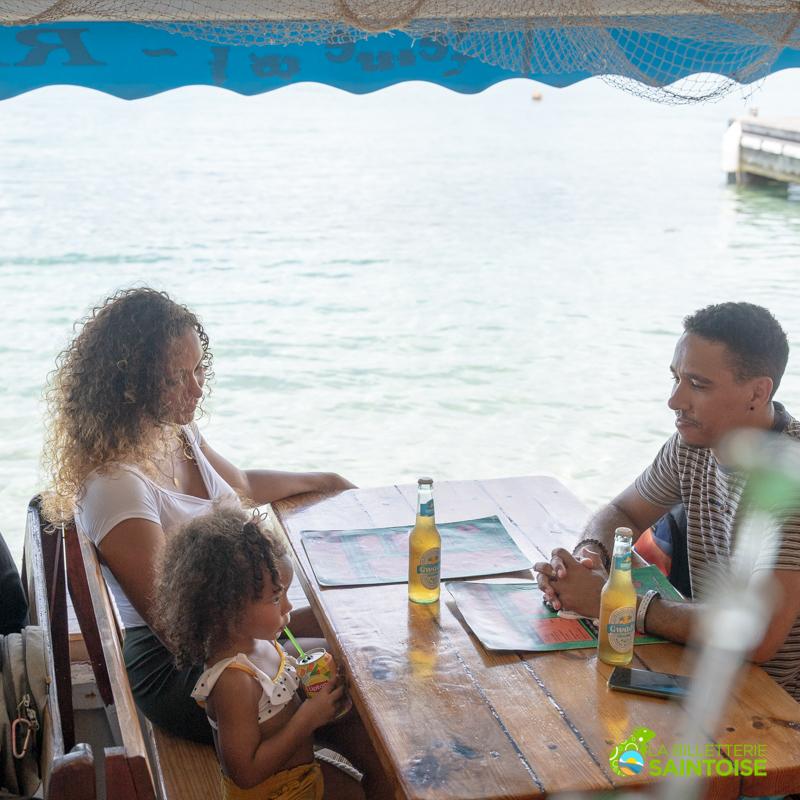 Séjours et excursions vendus par La Billetterie Saintoise à Terre de Haut pour toute la famille